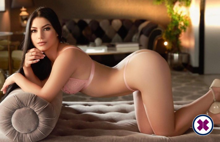 Amora is a sexy French Escort in Westminster