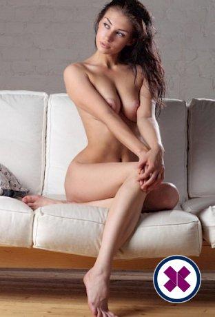 Diana is een knappe en geile Romanian Escort van Den Haag