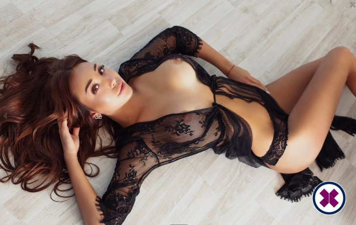 Mola is a hot and horny Russian Escort from Camden