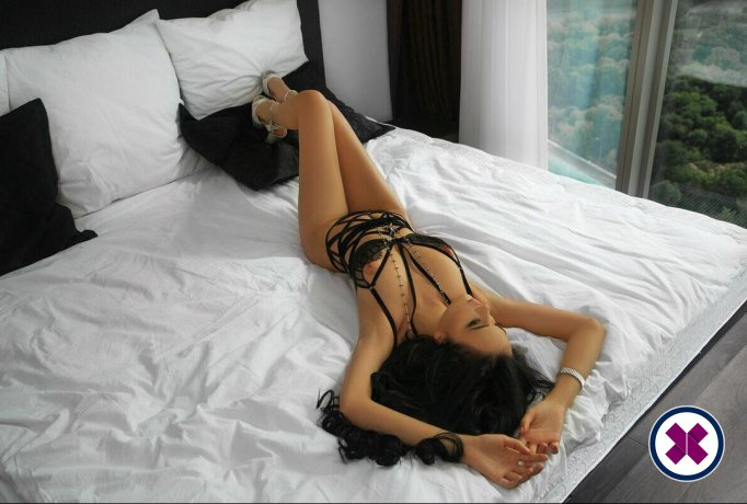 Yona is a super sexy Russian Escort in Camden