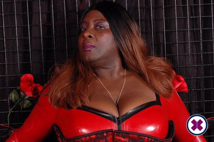 Madame Darkness is een van de meest geliefde masseurs / masseuses in Camden. Bel nu en maak een afspraak.