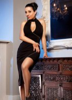 Aleeza - an agency escort in London