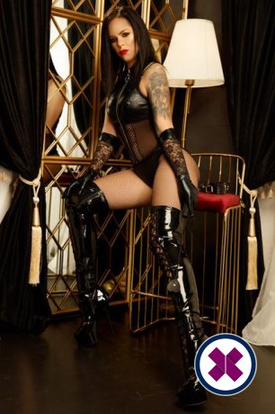 Lady Cleo Noir is a hot and horny Greek Escort from Düsseldorf